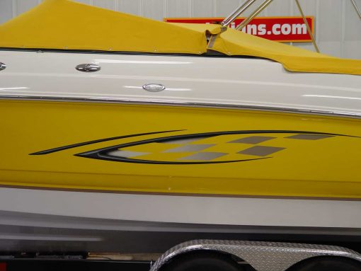 Boat graphics decal installation